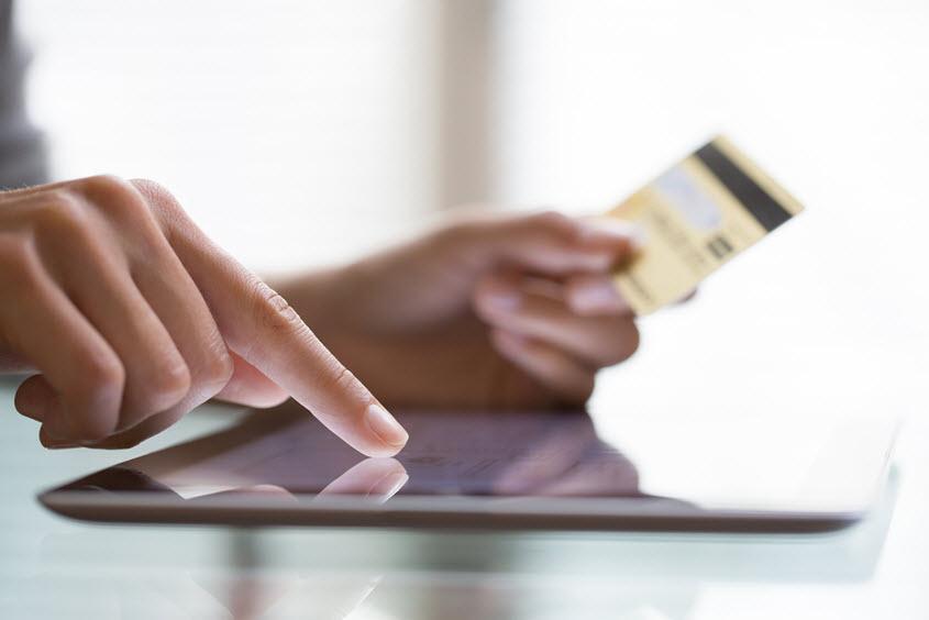 credit card sale on tablet